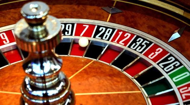 Луценко проти повної заборони казино в Україні